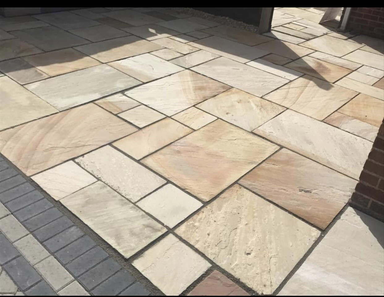 more work for block paving in bath - the image shows a block paved patio